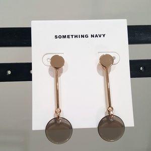 SOMETHING NAVY RESIN DISC DROP EARRINGS